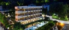 Hotel Alexander Gabicce Mare, 4 stelle con piscina doppia