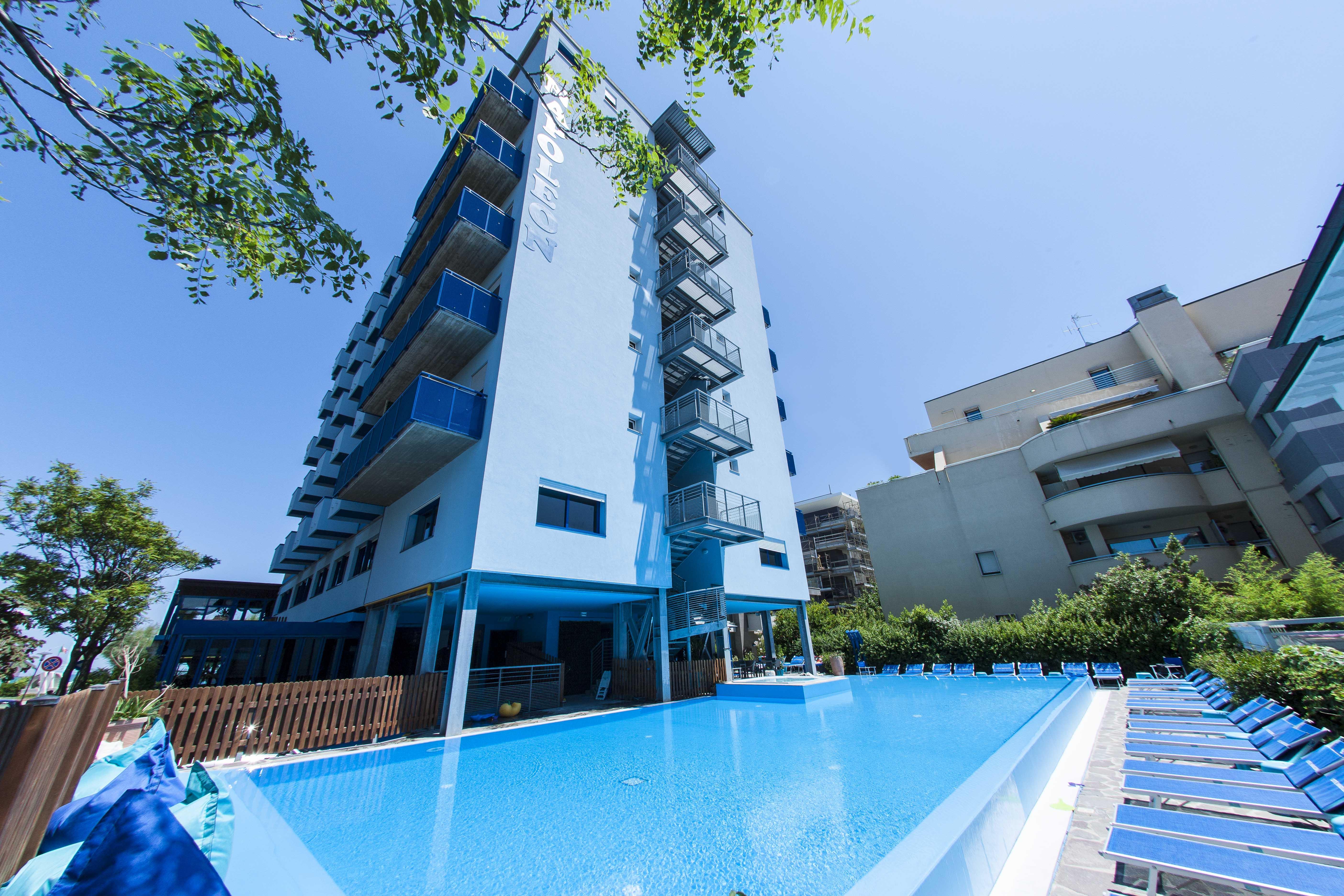 Hotel napoleon di pesaro 4 stelle con piscina - Hotel cervia 4 stelle con piscina ...